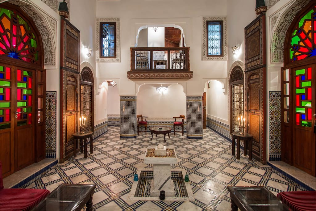 Riad noujoum medina bed and breakfasts en alquiler en for Airbnb fez