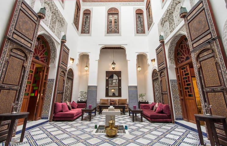 Riad Noujoum Medina - Fes - Bed & Breakfast