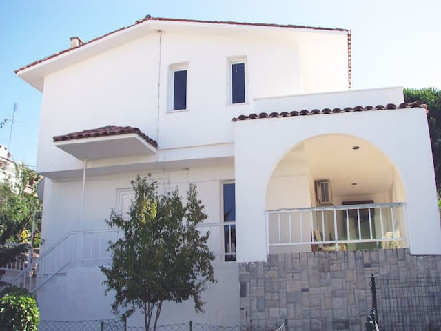 Villa 80 mt to the sea Ildır Cesme - Çeşme
