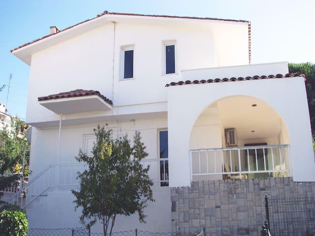 Villa 80 mt to the sea Ildır Cesme - Çeşme - Villa