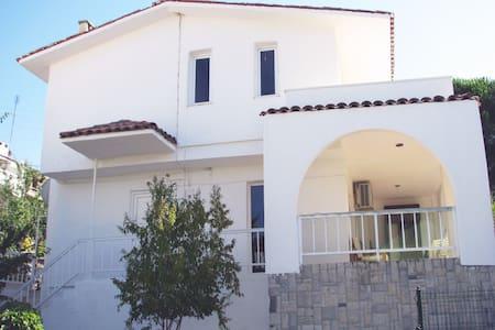 Villa 80 mt to the sea Ildır Cesme - Çeşme