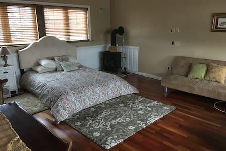 San Pedro guest suite