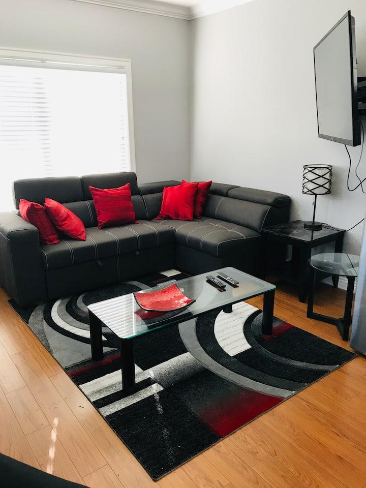 Stunningly 1 Bedroom Suite!!
