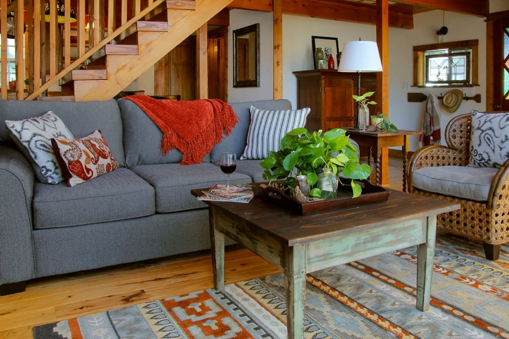 All the creature comforts for your relaxing mountain getaway