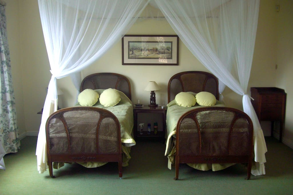 Willow Suite beds