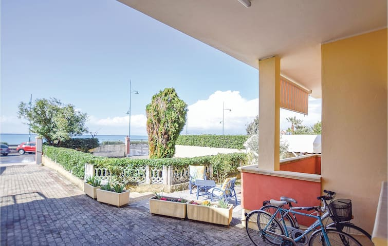 Holiday apartment with 3 bedrooms on 120m² in Tortora Marina