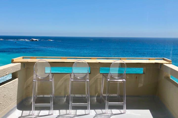 St Mungo's - 9 · Tranquil Clifton Beach Apartment