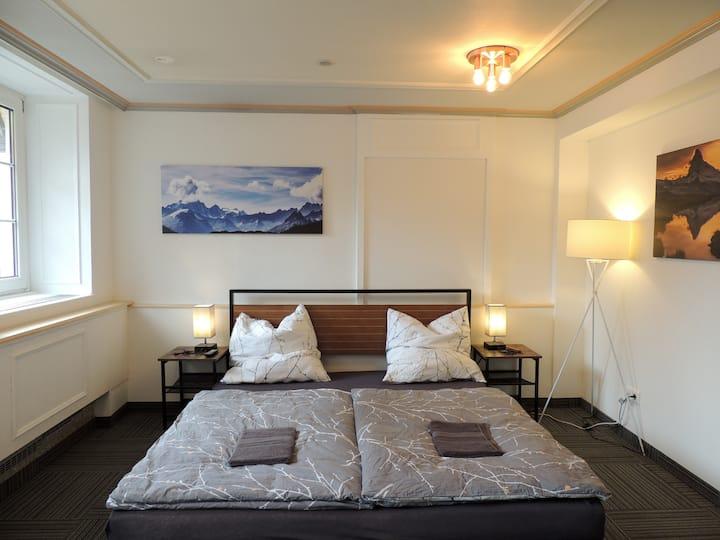Mittelgroßes Zimmer mit Gartenblick, Zentrum 4