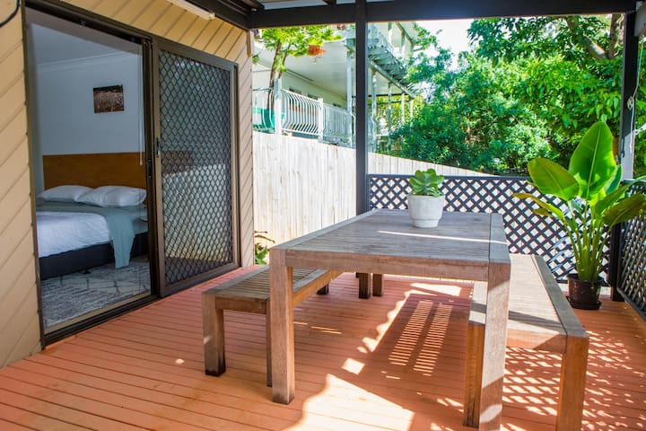 Exclusive use of the deck. Perfect for sundowners!