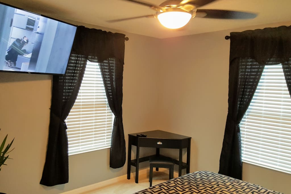 Large 4K screen with Netflix, Amazon Prime streaming & over the air TV channels.  Remote control ceiling fan.