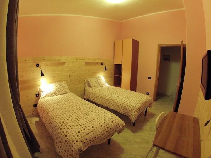 Il Veliero bnb Roma (orange room)