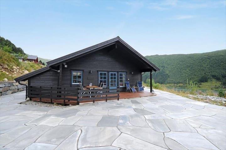 Koselig og stor hytte - Sogndal