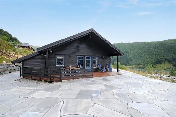 Koselig og stor hytte
