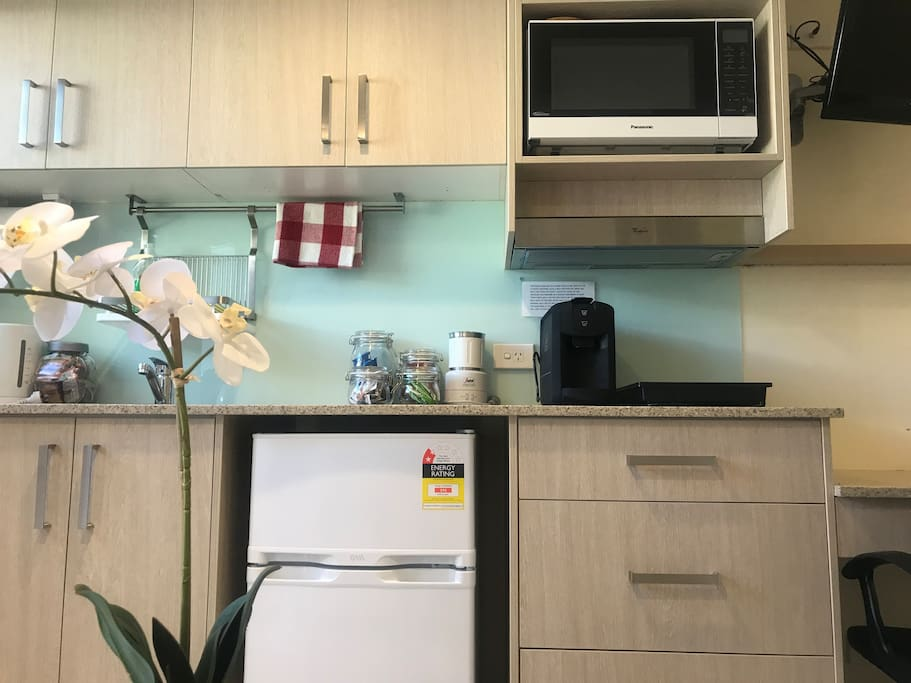 Spotless and Well Equipped Kitchenette