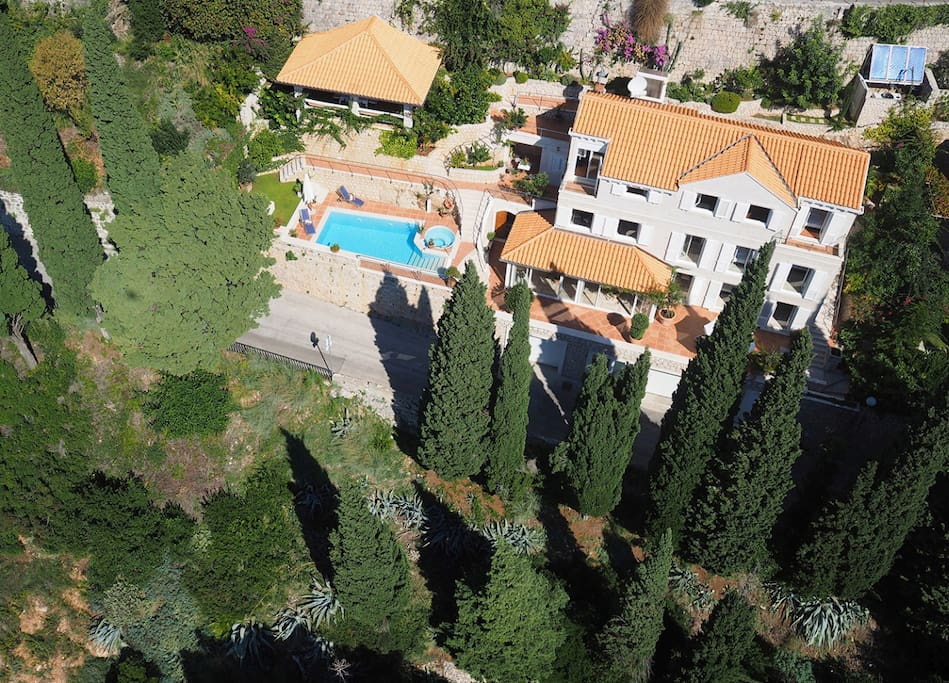 Luxury Villa Dubrovnik Palace with pool by the sea in Dubrovnik
