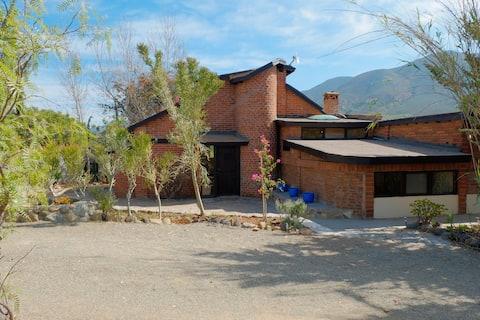 Hermosa casa rústica en el corazón del valle