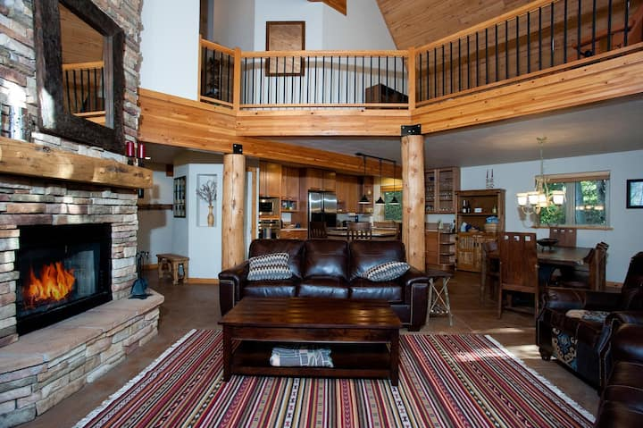 Secluded Mountain Home - 1.5 Acres - 1 Mile to Ski - Ping Pong Table