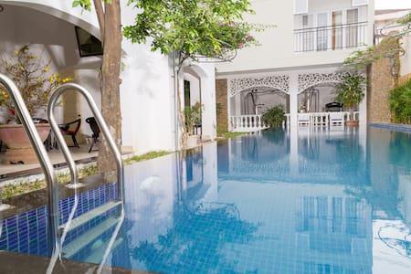 Decent Zoom Villa near beach wid kitchen in center - Thành phố Nha Trang