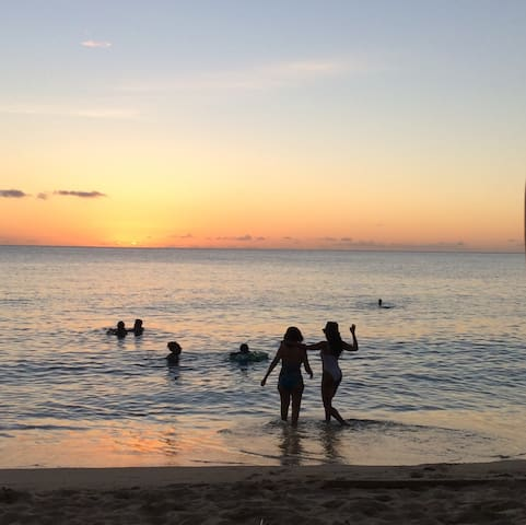 Sunset & beach in Speightstown