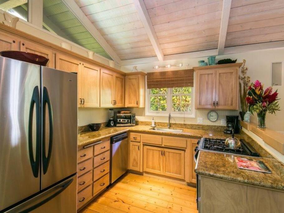 Main Cottage - Kitchen