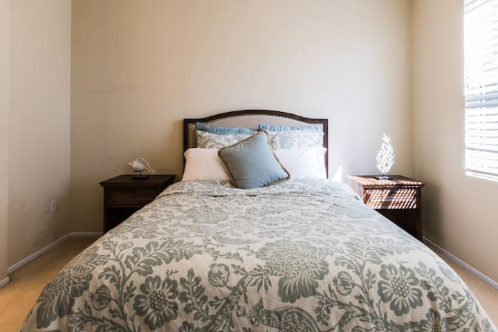 Resort style vacation home (Two suits) - Irvine - Condomínio