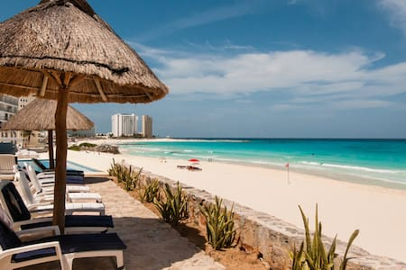 Studio in heart of hotel zone 103 - Cancún - Apartment