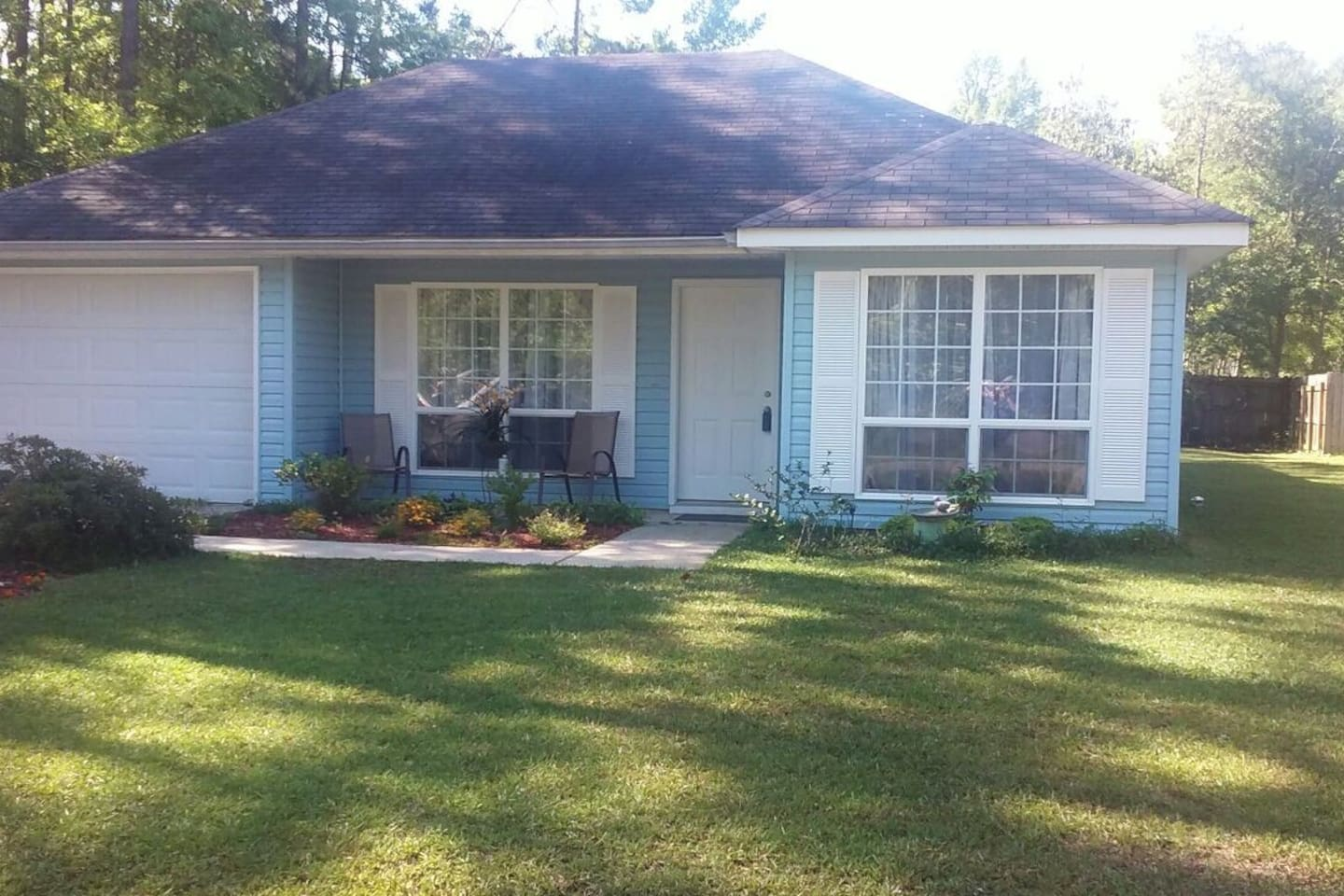 Home on a quiet culdesac in a safe community. Single-car garage. There is a slight step-up through the front door very manageable with a wheel chair.