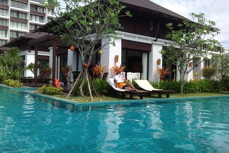 Pool villa house and Private Beach - House
