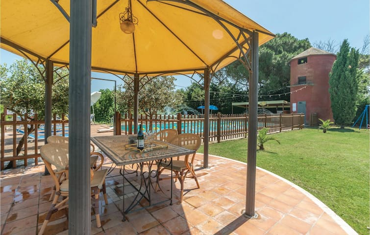 Holiday apartment with 2 bedrooms on 88m² in C. del Lago (PG)