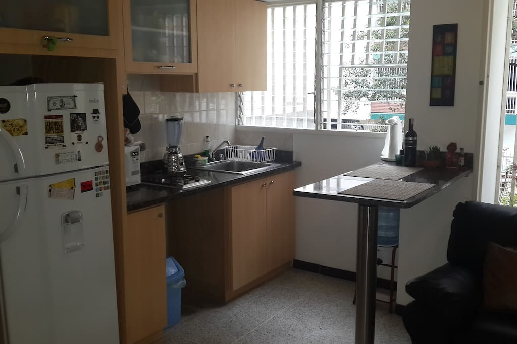Living room & Kitchen... Sala y cocina