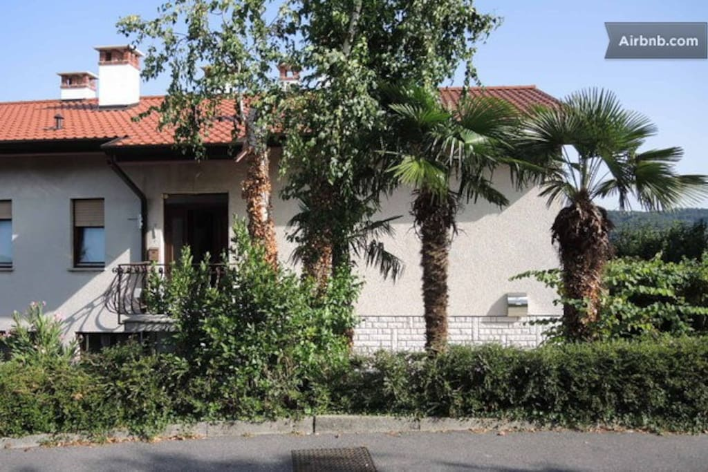 Three palms in front of house with 3 big rooms, living room, terasa and FREE parking place for two cars.
