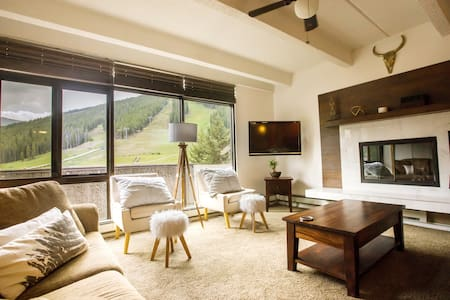 Ski in/Ski Out Slope Views Sleeps 7 -Snowflake 212