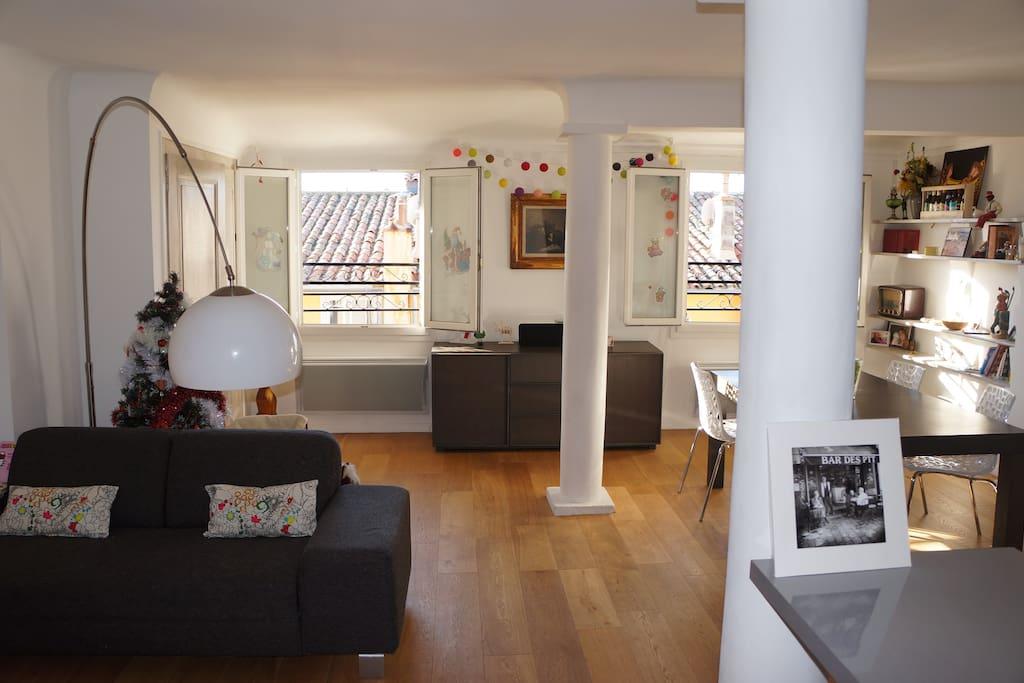 T3 sublime terrasse aix centre ac et wifi for Location t3 salon de provence