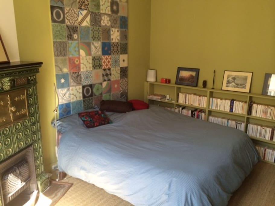 appartement duplex 18 me apartamentos en alquiler en par s isla de francia francia. Black Bedroom Furniture Sets. Home Design Ideas
