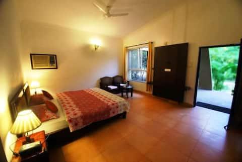 AC Cottage in Resort near Kanha Madhya Pradesh