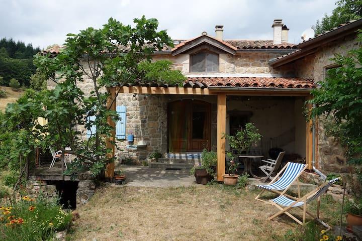 Maison Atypique et Originale ! - Saint-Jean-Chambre - House
