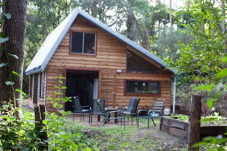 Byron Bay's Byrangery Waters Cabin - Goonengerry