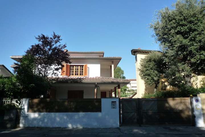 Elegante villetta 300 m² - Viareggio - Villa