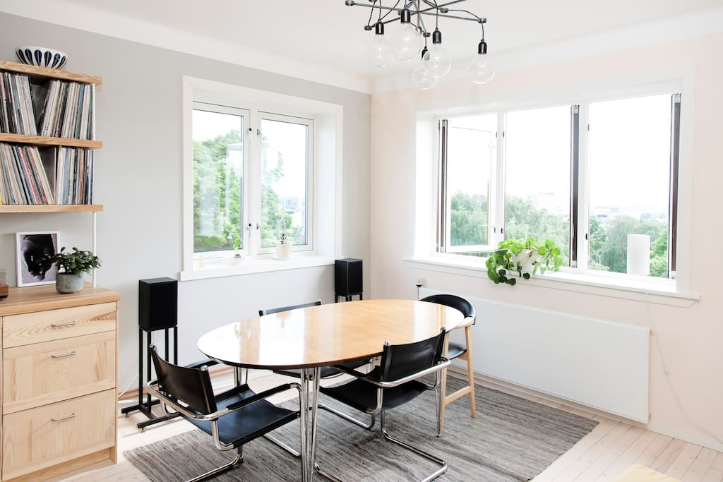 Sunny living room with an incredible view of central Oslo.