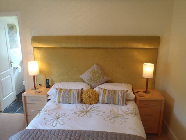 double room to rent 4 commonwealth  - Bothwell - Bed & Breakfast
