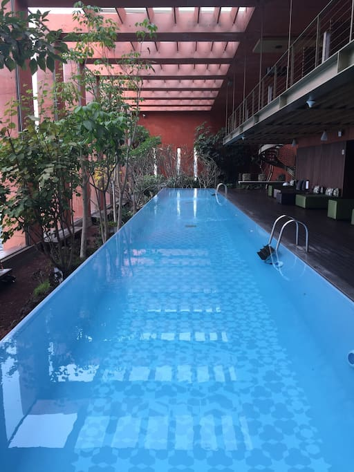 Pool on the 25th floor with warm water. Enjoy it day and night