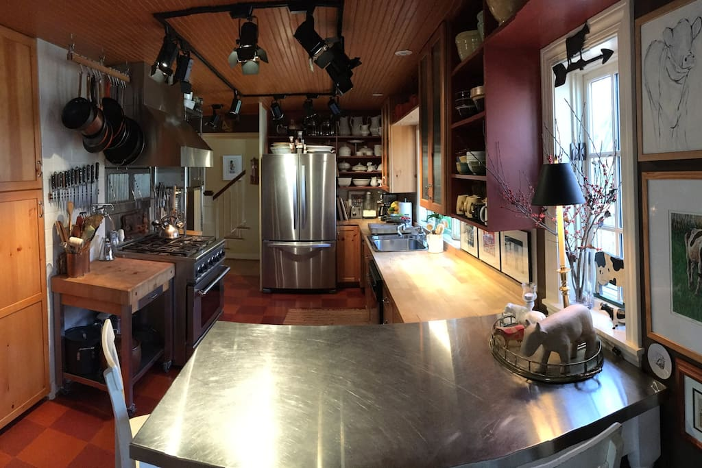 a distorted panoramic view of the kitchen