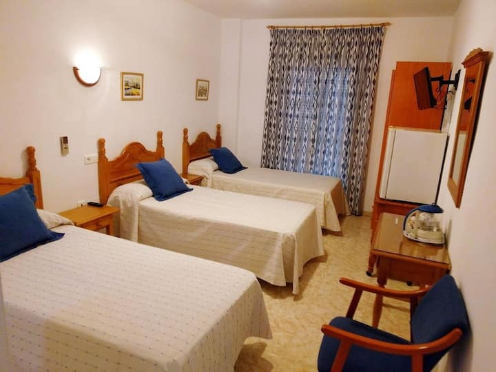 Hostal Andalucia Double Room Three Beds