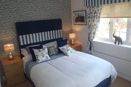 5 star double room 4 commonwealth  - Bothwell - 独立屋