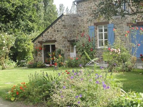 studio entre Mt St Michel, St-Malo et Cancale