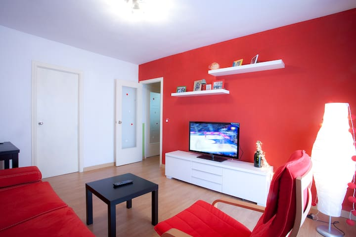Lovely room with parquet flooring - Mislata - Apartment
