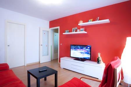 Lovely room with parquet flooring - Mislata - Apartemen