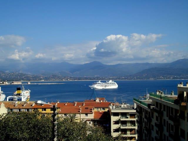 bel F3 avec vue golfe et port - Ajaccio - Apartment
