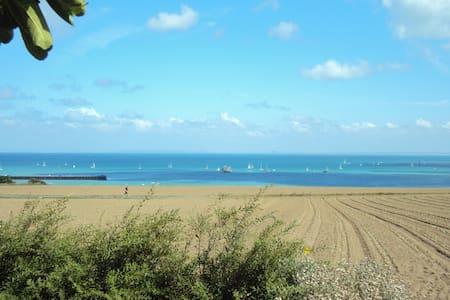 chambre vue sur mer face à la baie - Cancale - Bed & Breakfast