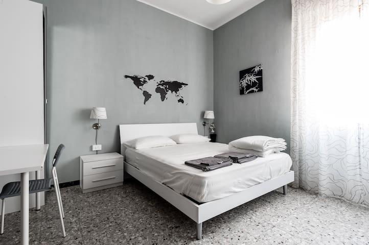 CentralRoom- The italian experience Orange room - Pisa - Pis